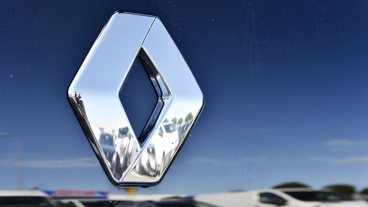 Renault Maroc : Lamia pour illuminer le marketing